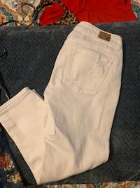 Size 2 Cropped white American eagle jeans Moorpark, 93021