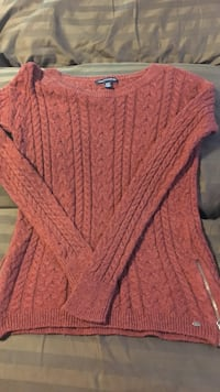 American Eagle Rust colored long sleeve sweater with zippers. Size XS. Westbrook, 04092