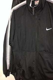 men's small/ women's M nike jacket