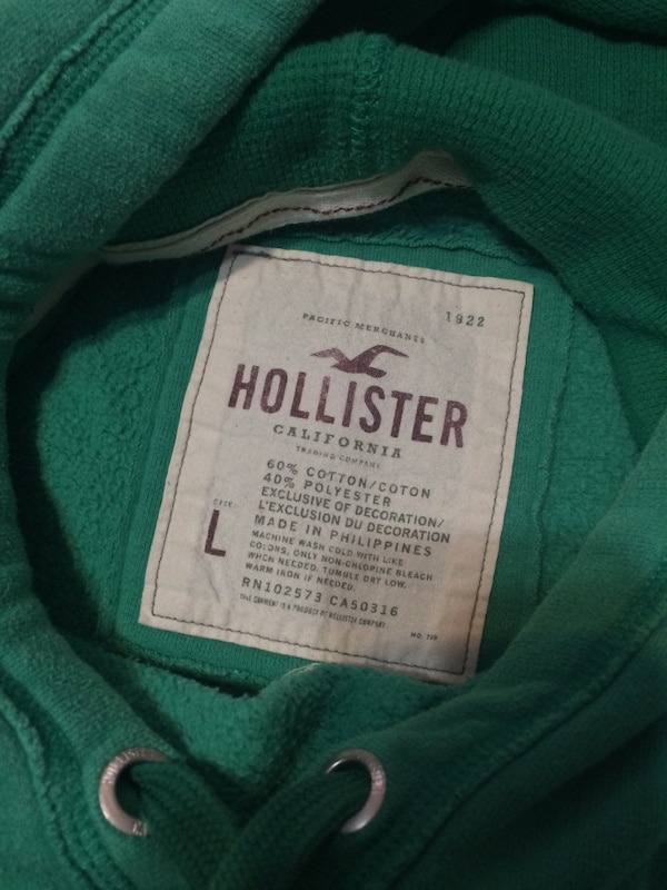 Hollister pull-over hoodie a4ed01d9-3ebf-47a4-943f-f135681f6045