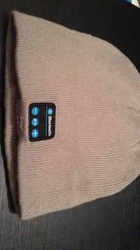 Bluetooth speaker hat Toronto, M6E 1B8
