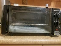 4-Slice Toaster Oven/Broiler   Toronto, M6N