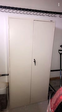 Light grey metal 2-door wardrobe Beaumont