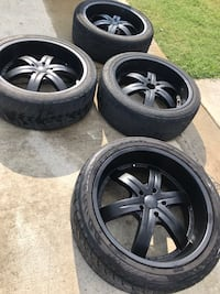 Starr 24 inch rims 5X5.5 bolt patter adapters available for 5x127 to 5x5.5 bolt pattern Meridianville