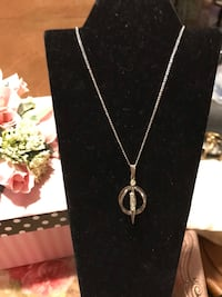 Pretty! Silver necklace with Crystal Diamond Stones Gainesville, 20155