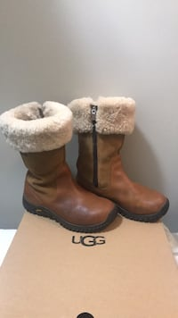 UGGs boots , size 8 545 km