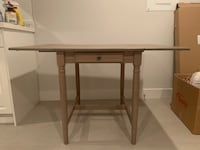 IKEA expandable dining table $60 Vancouver, V5X 3T1