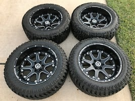 20x10 wheel and tires 285/55/20 Chevy 6 lugs
