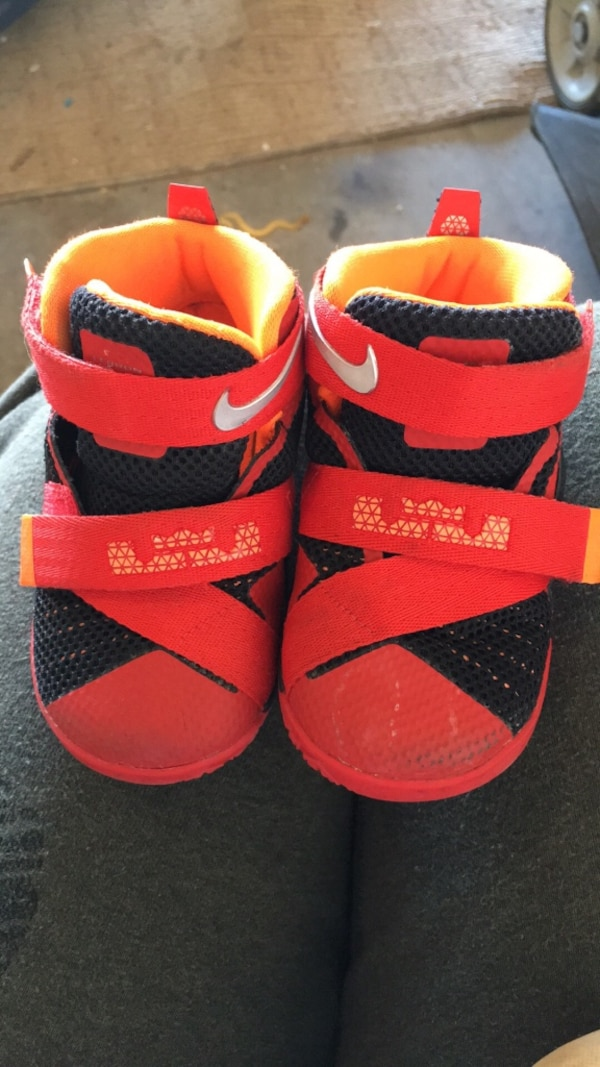 new arrival 95e4d 93c21 baby's red and black nike lebron james shoes