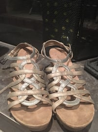 Wedges, size 8, barely used Châteauguay, J6J 2B2