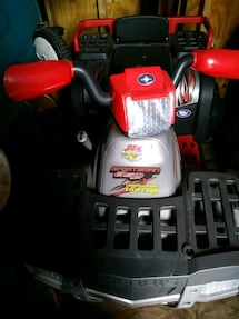 Polaris Kids 4 wheeler, new 700 sell 300.