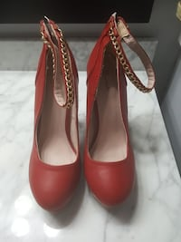 Red Strap (Gold Chain)Pump Fayetteville, 28314