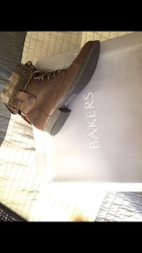 Bakers boots size 7 1/2  2274 mi