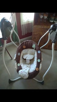 toddler's white and brown swing chair Cockeysville, 21030