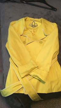 Guess yellow button up jacket