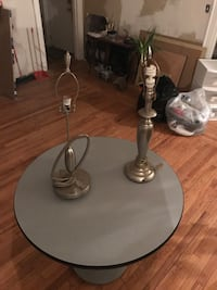 Table w 2 lamps