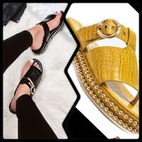Mustard color One toe sandals with studs Upper Marlboro