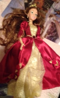 Belle xmas beauty and the beast barbie in fairly good shape 539 km