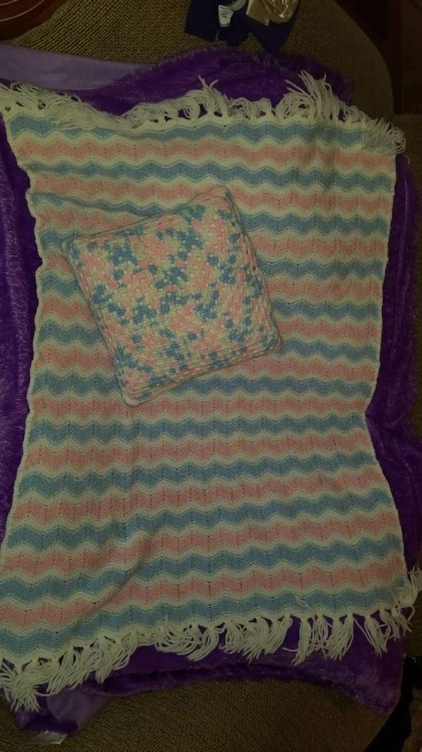 pink, white, and blue chevron knitted fringe scarf