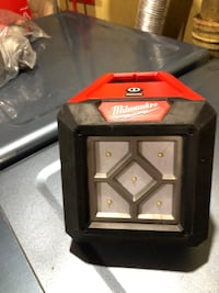 PRICE IS FIRM!!!!  MILWAUKEE M12 ROVER LED LIGHT Morton Grove, 60053