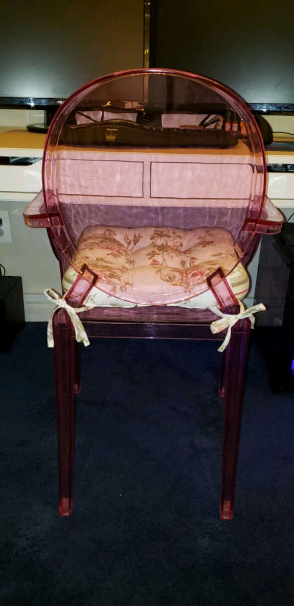 Pink Acrylic Chair cd6ffdb6-280c-4456-b4ae-323243e9f2c6