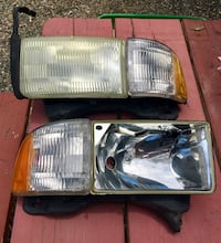 Dodge truck headlight drivers side with lenses Menifee, 92584
