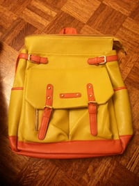 Yellow & orange backpack Dollard-des-Ormeaux, H9B 3A1