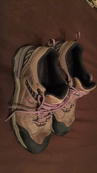 Shoes size 11 Steel Toe Red Wings worn 3 times Keithville, 71047