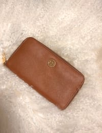 Tory Burch Robinson Wallet Tan
