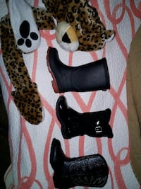 New Toddler boors & Leopard hat