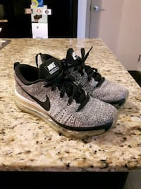 Nike Flyknit Max shoes- size 5 Toronto, M1P 0A9