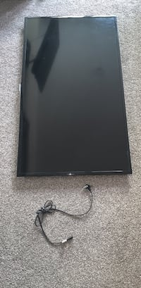 """Samsung 2015 47"""" TV.  Won't turn on.  Have stand and wall mount also. Charlotte, 28203"""