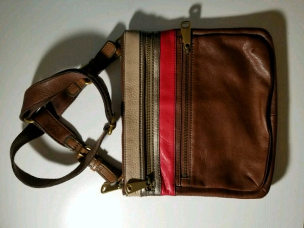 LIKE NEW FOSSIL CROSS BAG