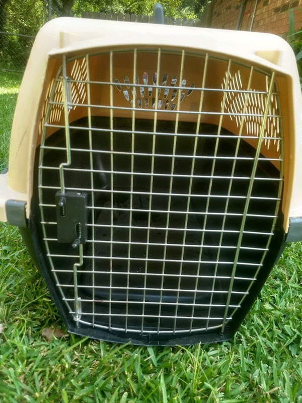 DOG KENNEL CRATE TAXI CARRIER 30e17091-7118-433d-a597-1c1f0b7c12c7