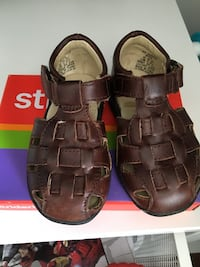 Stride rite size 5.5 leather sandals  Toronto, M4J 2B6