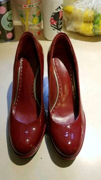 pair of red patent leather heeled shoes Kensington, 20895