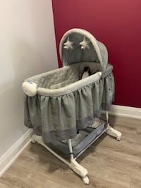 Bassinet  (Read Description)
