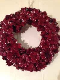 Red handcrafted pine comb flower wreath Mississauga, L5J 1V8