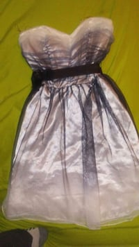 Formal dress price is negotiable  Williamsburg, 40769