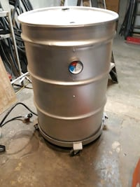Drum propane radiant heater or smoker/grill.