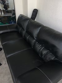 Leather couch  Edmonton, T5T 3S8
