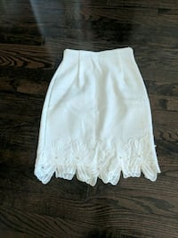 White pencil flower lace skirt