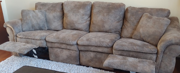 Awe Inspiring La Z Boy Devon Sectional Sofa Double Recliner Gmtry Best Dining Table And Chair Ideas Images Gmtryco