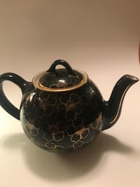 Teapot - 6 cup black with gold flowers