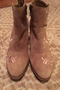 Lucky Brand Suede Booties size 9.5 Northborough, 01532