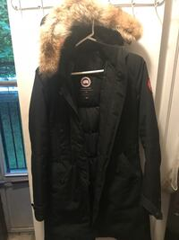 Goose jacket size small Mississauga, L5B 1T9