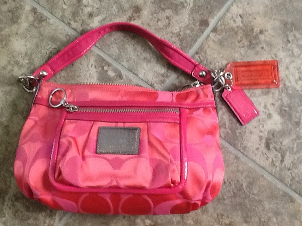 d5903f237d3 Used COACH PURSE. Medium size. Cute color. 45.00 OBO for sale in ...