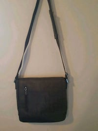 Guess diaper bag Chatham-Kent, N8A 1C4