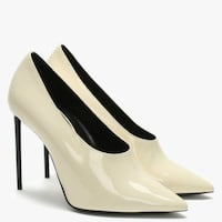 Women's pair of white Saint Laurent 105 leather pumps. Size 38.5 ... fits to 7.5 US  New York, 11207