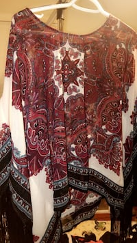 Red and white floral long sleeve  Waianae, 96792
